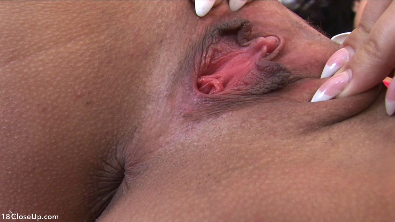 Flexible kerry039s pussy pulsates from internal cumshot 7