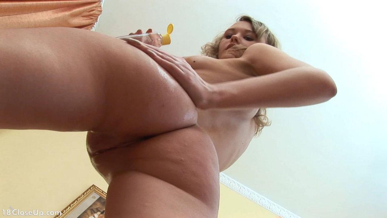 С низу порево, Порно крупным планом. Секс снятый вблизи 10 фотография
