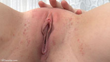 18 Y/o First-timer Discovers Her Clit - Picture 16