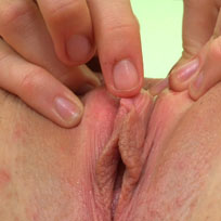 Patricia Shows Her Cunt Stretched Open - Picture 5